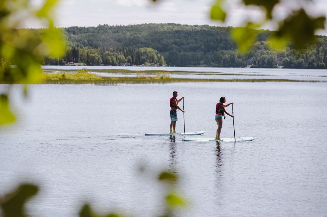 Paddleboard at Auberge du Lac Taureau