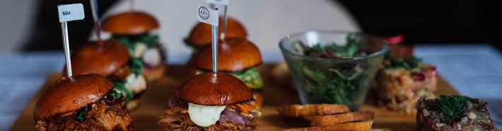 Miniburgers and tartare of Taboo cuisine rebelle restaurant
