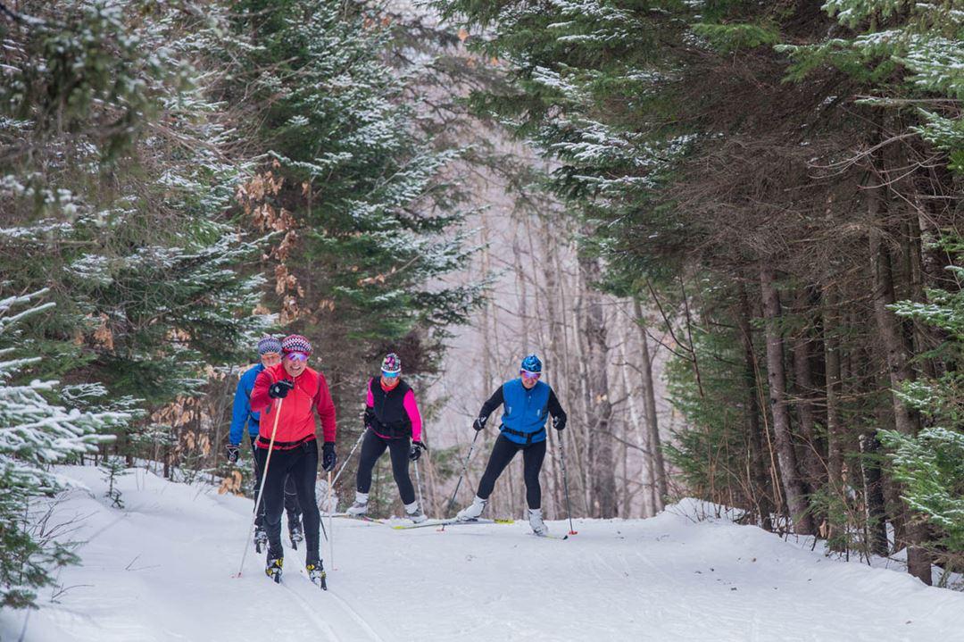 Ski montagne coup e activit s kayak motoneige spa et tourisme lanaudi re - Montagne coupee ski de fond ...