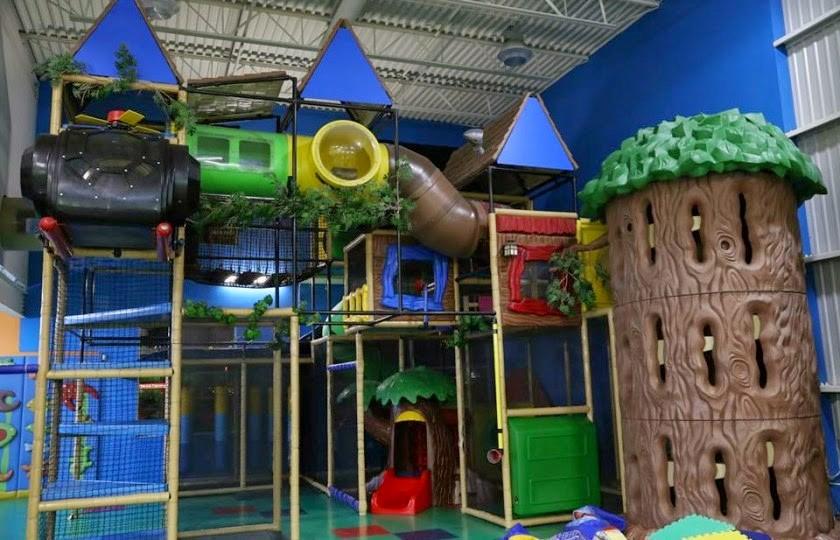 Activit s int rieures avec les enfants for Centre sportif terrebonne piscine